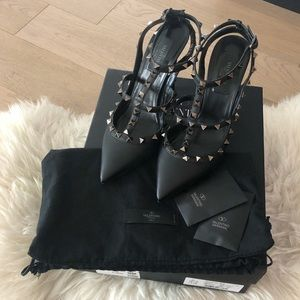 Valentino Rockstud Noir Leather 100mm Pumps (38.5)